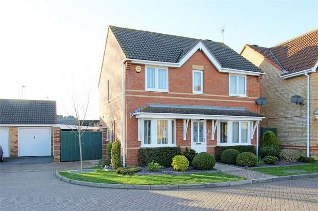 4 Bedrooms Detached House for sale in Sandstone Drive, Sittingbourne, Kent