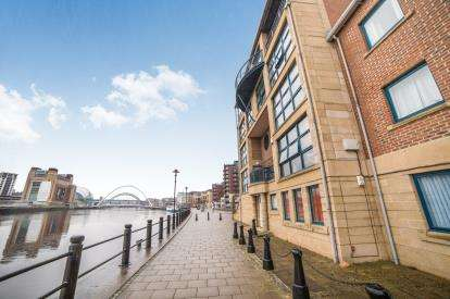 2 Bedrooms Flat for sale in Mariners Wharf, Quayside, Newcastle Upon Tyne, Tyne and Wear, NE1