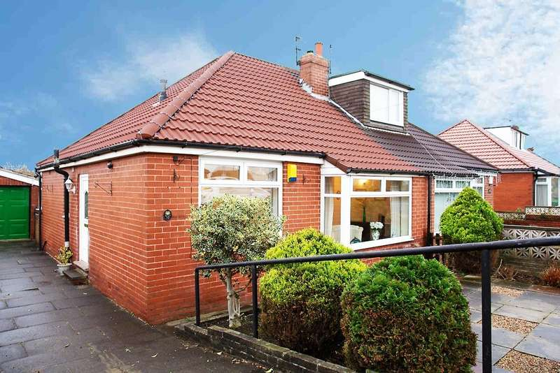 2 Bedrooms Semi Detached Bungalow for sale in 55 Carlton Way, Royton