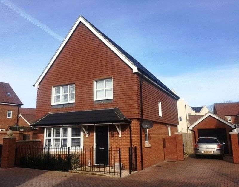 4 Bedrooms Detached House for sale in Cuckoo Gate, Goring-by-Sea