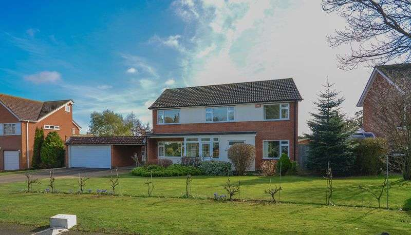 4 Bedrooms Detached House for sale in Hawksdown, Walmer