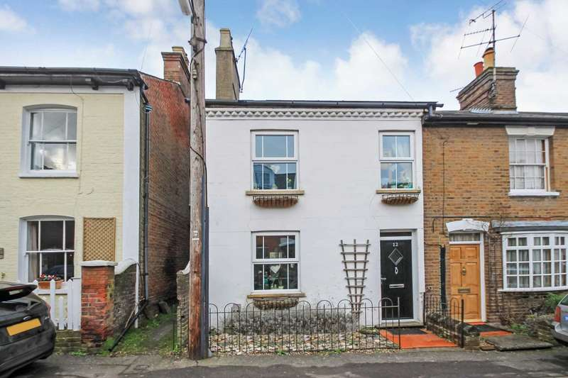 3 Bedrooms Semi Detached House for sale in Albert Street, Tring