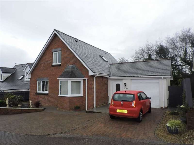 4 Bedrooms Property for sale in Glyncoed, Tycroes