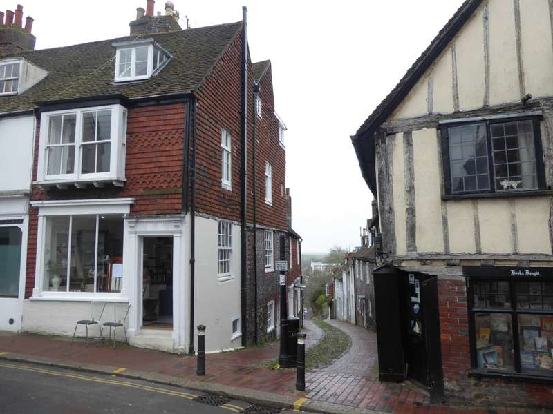 3 Bedrooms Semi Detached House for sale in High Street, Lewes