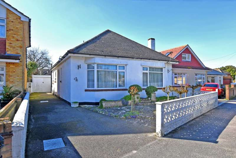 3 Bedrooms Bungalow for sale in Mudeford