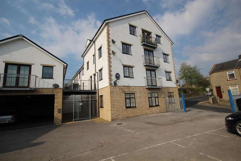 2 Bedrooms Apartment Flat for sale in Colne Lane, Colne