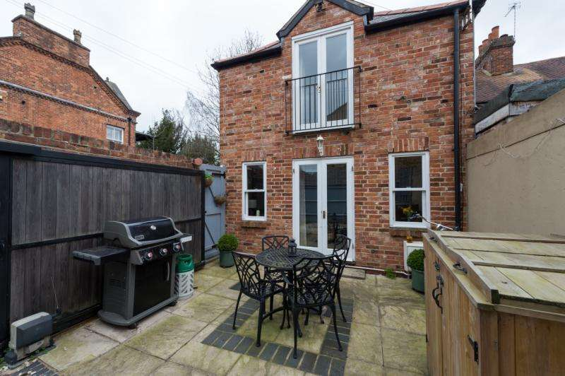 2 Bedrooms Semi Detached House for sale in Lake Street, Oxford, Oxfordshire