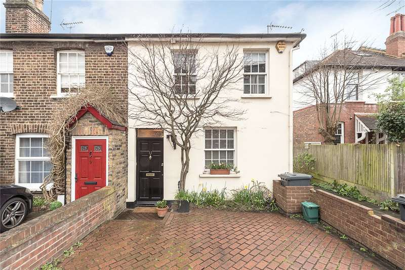 2 Bedrooms Terraced House for sale in Pages Lane, London, N10