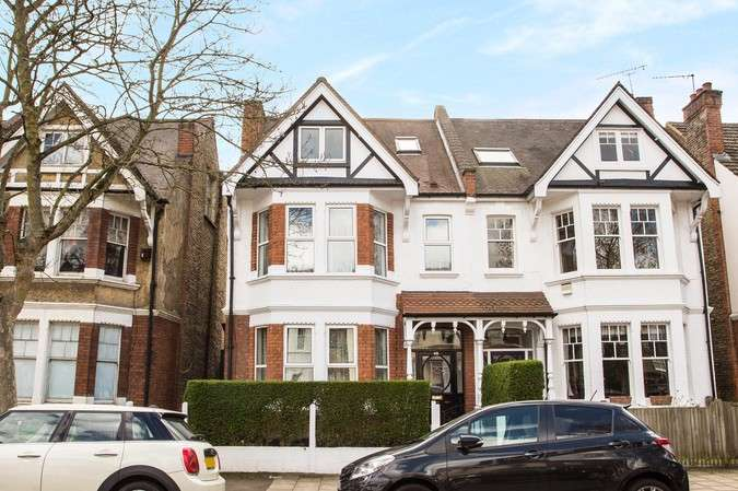 5 Bedrooms Semi Detached House for sale in Wavendon Avenue, Chiswick