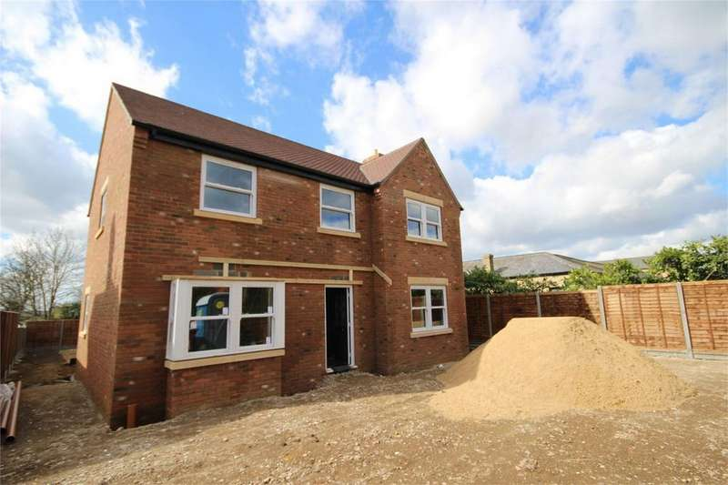 4 Bedrooms Detached House for sale in Northwood End Road, Haynes, Bedfordshire