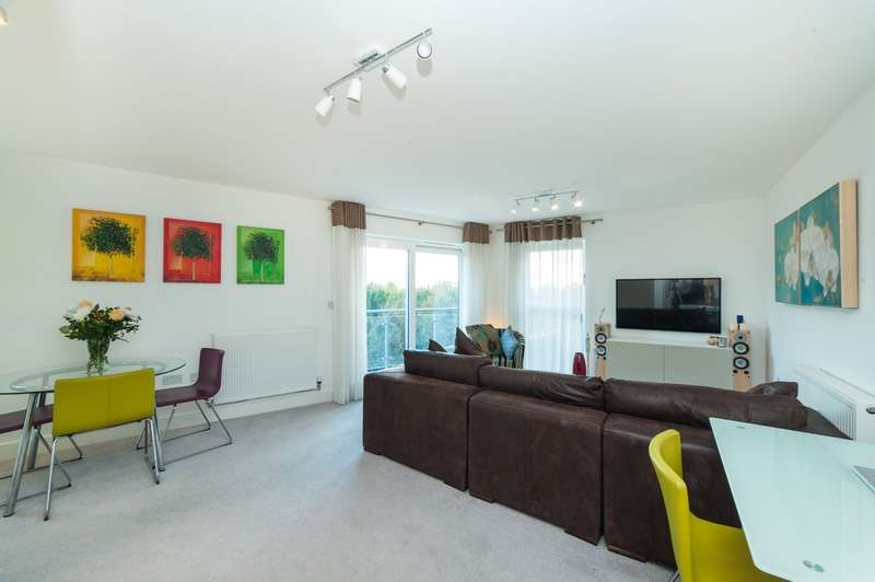 2 Bedrooms Flat for sale in Charrington Place, St. Albans, Hertfordshire, AL1