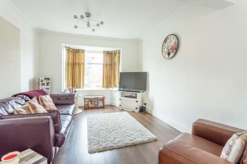 3 Bedrooms Terraced House for sale in Colville Avenue, Hull, East Yorkshire, HU4