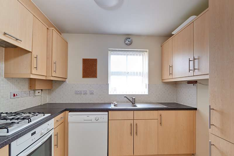 2 Bedrooms House for sale in Pioneer Road, Swindon, Wiltshire, SN25