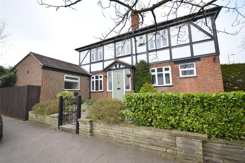 3 Bedrooms Detached House for sale in St. Albans Road, Garston, Hertfordshire, WD25