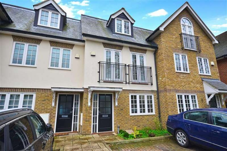 4 Bedrooms Town House for sale in Shillington Grove, Watford, Hertfordshire