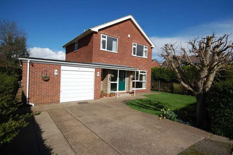 4 Bedrooms Detached House for sale in Roseacres, Hook