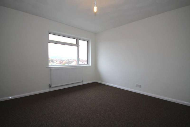 3 Bedrooms Maisonette Flat for sale in Seadown Parade, Sompting, Lancing BN15 9TP