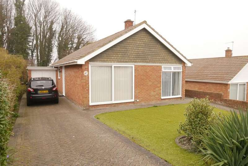 3 Bedrooms Detached Bungalow for sale in Beverington Road, Eastbourne, BN21
