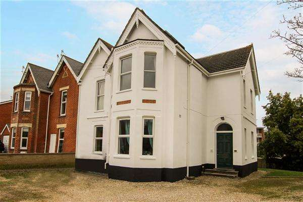 1 Bedroom Flat for sale in Charmouth Grove, Poole