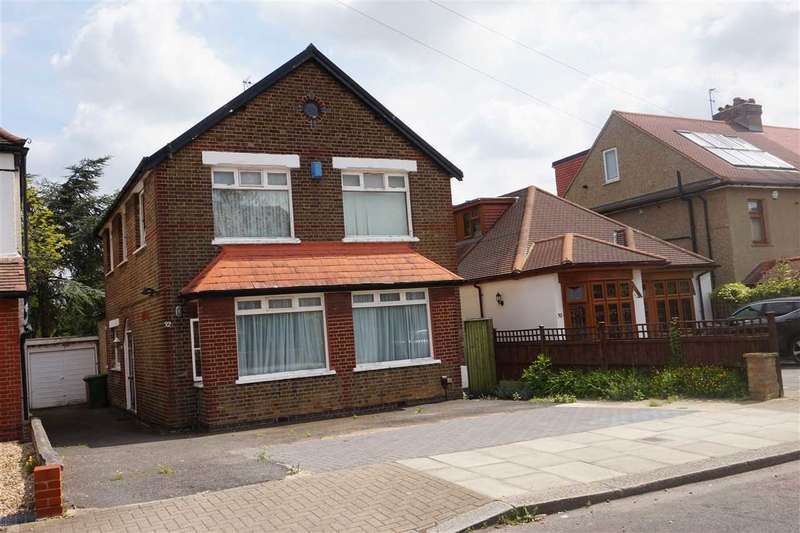 5 Bedrooms Detached House for sale in Whitchurch Gardens, Canons Park
