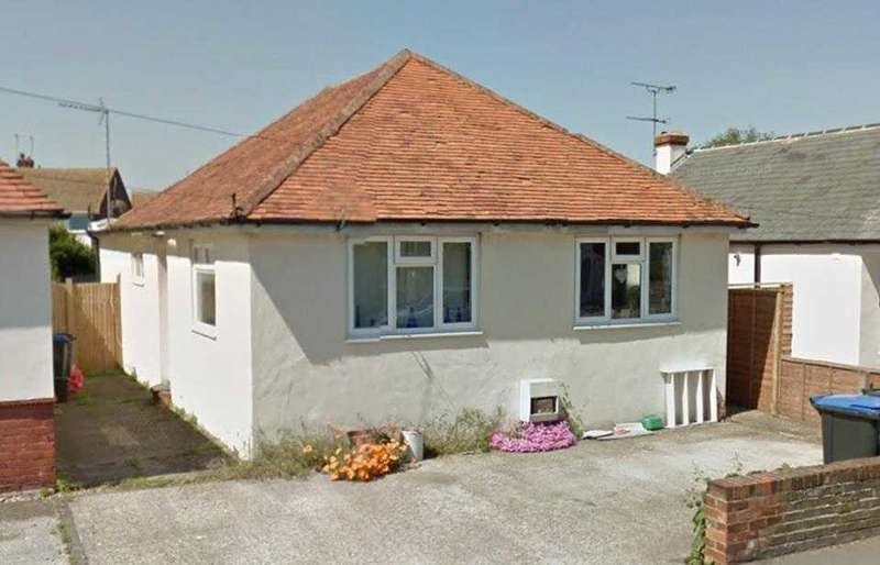 3 Bedrooms Detached Bungalow for sale in Beacon Road, Broadstairs