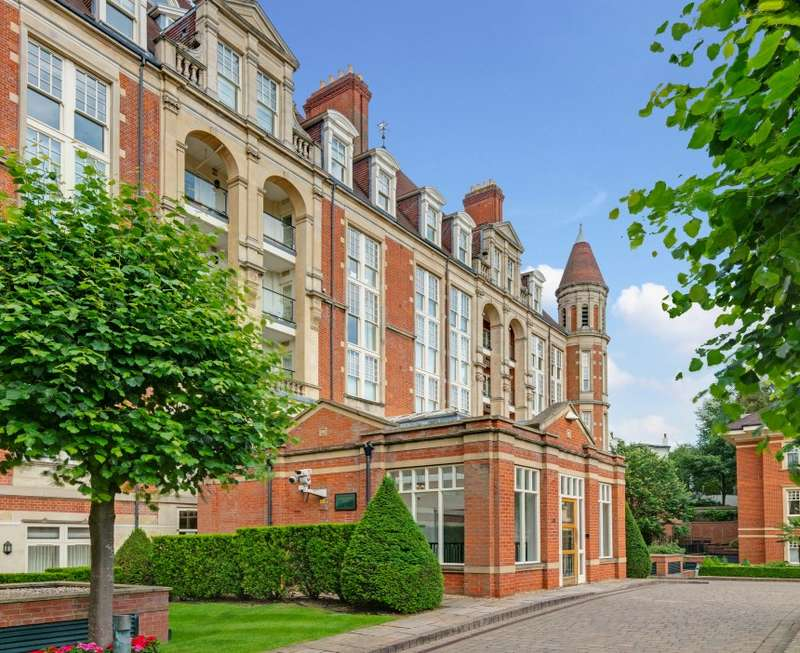 Apartment Flat for sale in Gainsborough House, Frognal Rise, Hampstead, London, NW3 6PZ