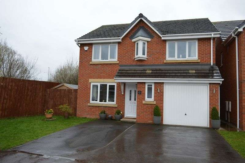 4 Bedrooms Detached House for sale in Heath House Close, Lowton, WA3 2SN