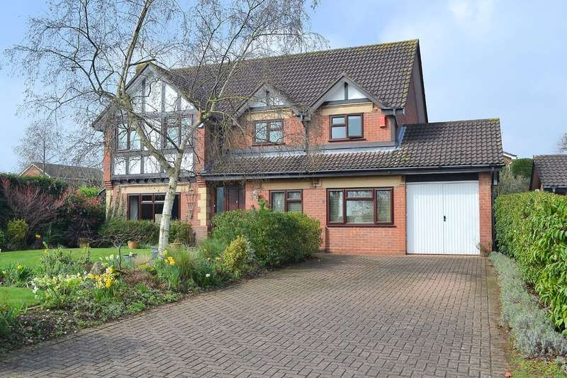 4 Bedrooms Detached House for sale in Tudor Close, Lichfield