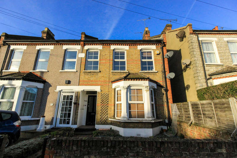 1 Bedroom Flat for sale in Stanley Road, South Woodford