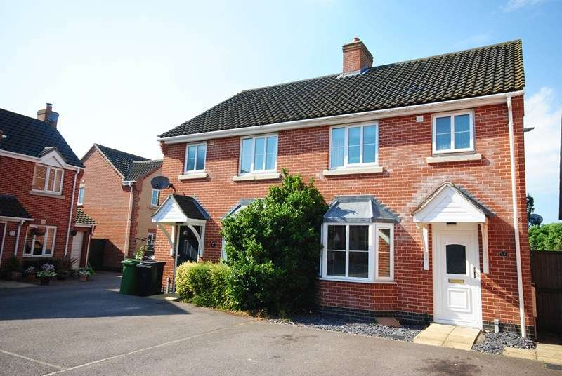 3 Bedrooms Semi Detached House for sale in Store Street, Roydon, Diss