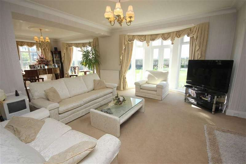 5 Bedrooms Property for sale in Beach Avenue, Fairhaven, Fairhaven