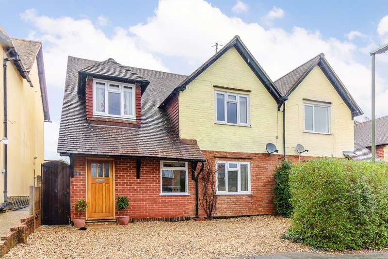 4 Bedrooms Semi Detached House for sale in Farncombe