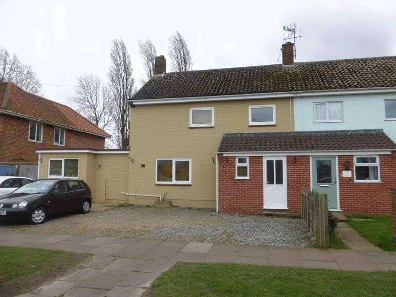3 Bedrooms Semi Detached House for sale in Harris Avenue, Lowestoft
