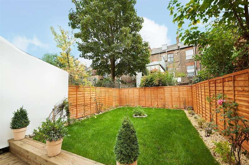 2 Bedrooms Flat for sale in Messina Avenue, London