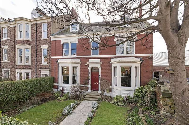 7 Bedrooms End Of Terrace House for sale in 3 St. Albans Place, Tynemouth, Tyne and Wear NE30