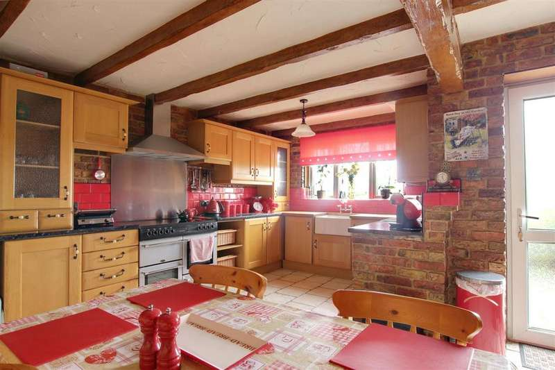3 Bedrooms Detached Bungalow for sale in Honeysuckle Lodge, Hogsthorpe Road, Mumby