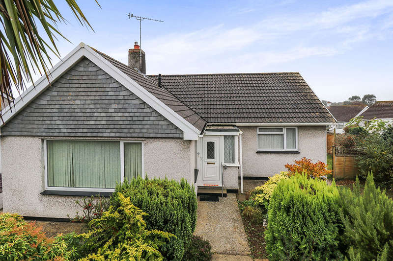 3 Bedrooms Detached Bungalow for sale in Trevanion Road, Trewoon, ST. AUSTELL, PL25