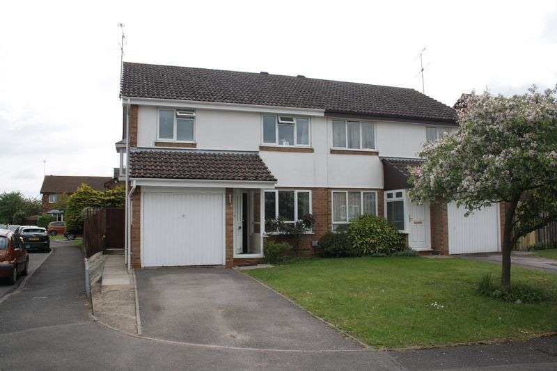 3 Bedrooms Semi Detached House for sale in Victor Way, Woodley Airfield