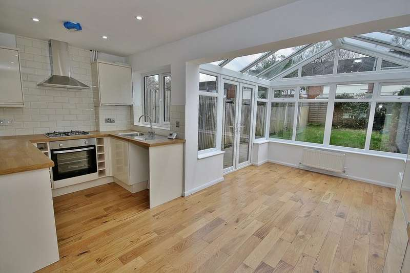 4 Bedrooms Terraced House for sale in Knaphill, Woking
