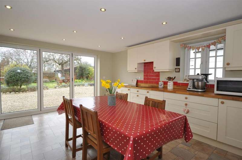5 Bedrooms House for sale in Main Street, Thornton Le Moor, Northallerton