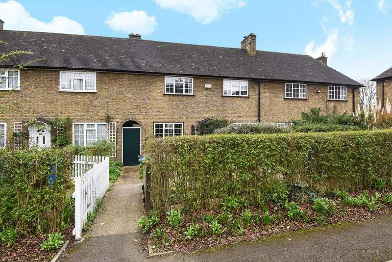 3 Bedrooms Detached House for sale in Sunray Avenue, London, SE24