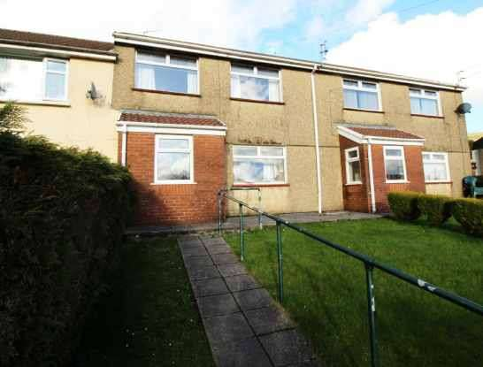 3 Bedrooms Terraced House for sale in Chapel Rd, Ebbw Vale, Gwent, NP23 4JS