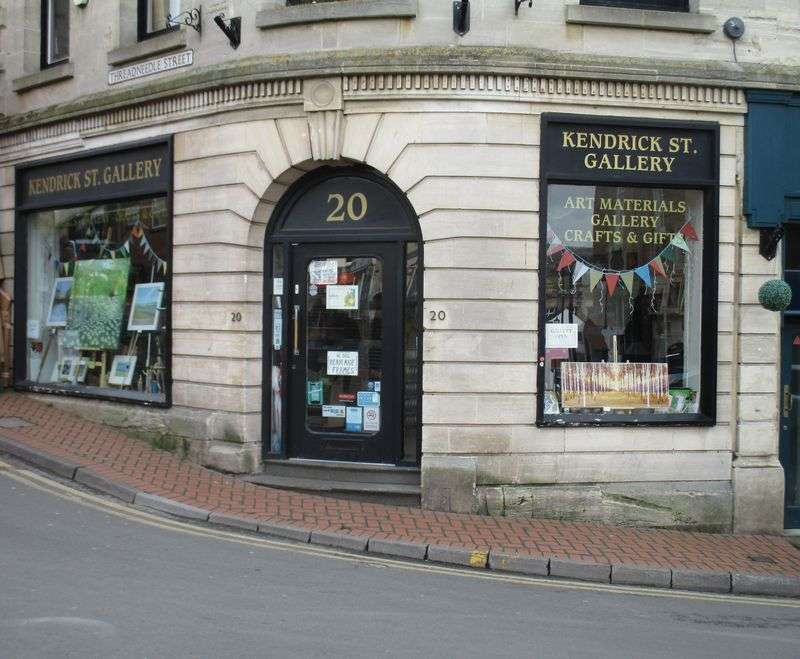 Property for sale in Wonderful leasehold art supplies shop