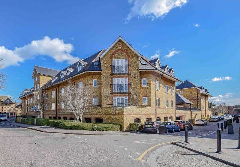2 Bedrooms Flat for sale in Stewart Place, Ware