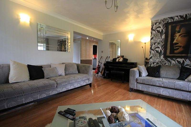 2 Bedrooms Flat for sale in Valerie Court, Bath Road, Reading, RG1
