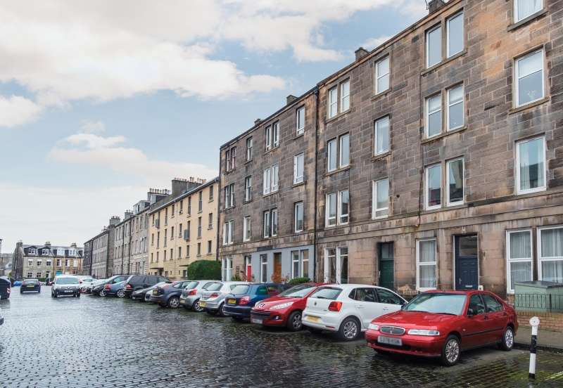 2 Bedrooms Flat for sale in Pitt Street, Bonnington, Edinburgh, EH6 4BZ