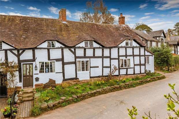 3 Bedrooms Cottage House for sale in Old Tong House, Tong, Shifnal, Shropshire