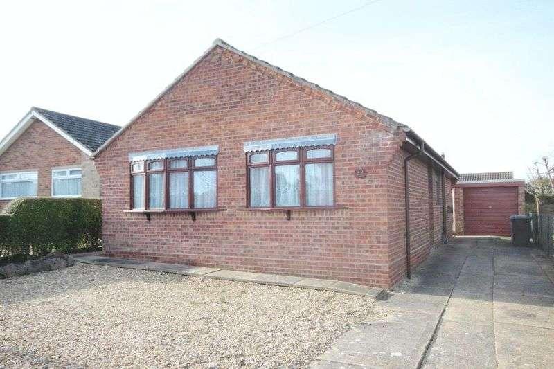 2 Bedrooms Detached Bungalow for sale in Rowan Way