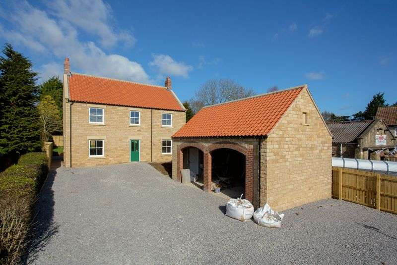 4 Bedrooms Detached House for sale in Main Road, Nawton