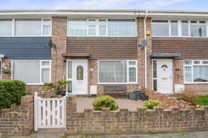3 Bedrooms Terraced House for sale in Tilbury, Essex